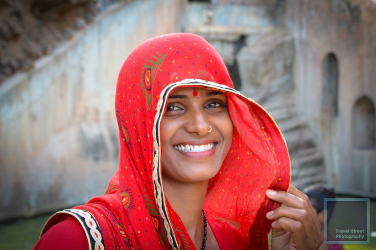 travel street photography smiling indian woman jaipur india people portrait