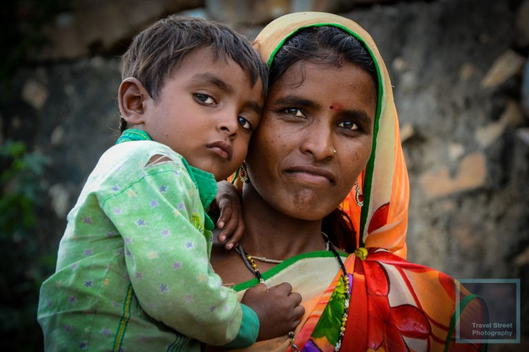 travel street photography indian mother son jaipur india people portrait
