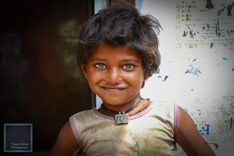 travel street photography little girl with a safety pin pushkar india people portrait